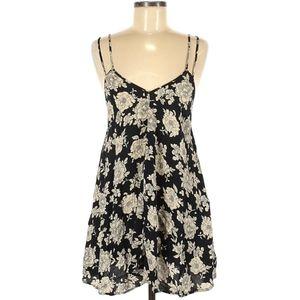 🖤 Beautiful flowy boho chic Brandy Melville dress 🌟